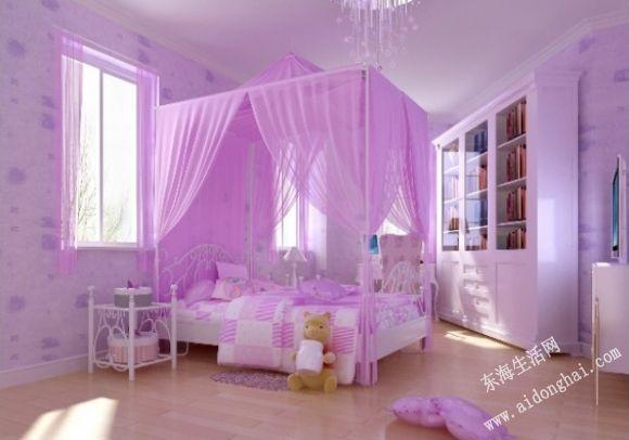 把孩子的空间设计得五彩缤纷,不仅适合孩子天真的心理,而且鲜艳的色彩在其中会洋溢起希望与生机。房间用浅蓝色和米黄色作为主调,让孩子觉得有属于自己的小空间。书柜在床的上方,也可节约空间,很适合小户型的家庭。房间的光线柔和、均匀,充足的照明能使房间更温暖,也能让孩子有安全感。 小结:儿童房的装修一直是家长和社会关注的焦点问题,它影响着孩子的成长,希望上面的文章能给您装修儿童房时作一个参考。