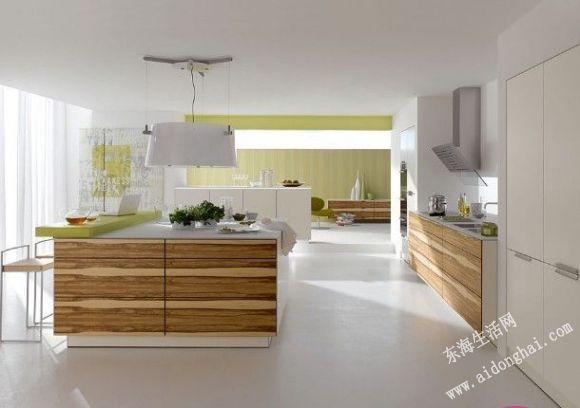 的厨房效果.   厨房设计   的装修方面,很多大家庭采用开放