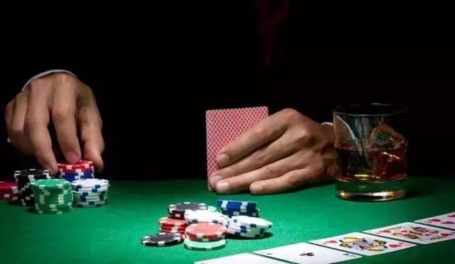 """东海""""最牛""""村主任!经常去澳门赌博!为筹赌资竟然诈骗他人444万!"""